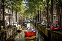 Sloep Nomag in een Amsterdamse Gracht